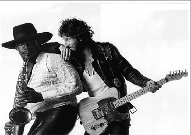 bruce_springsteen_clarence_clemons_born_to_run_eric_meola_1975
