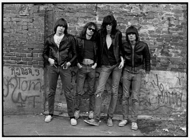 ramones_first_album_cover_nyc_new_york_roberta_bayley
