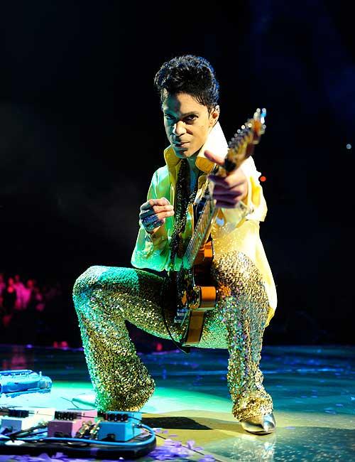 prince_live_kevin_mazur_gold