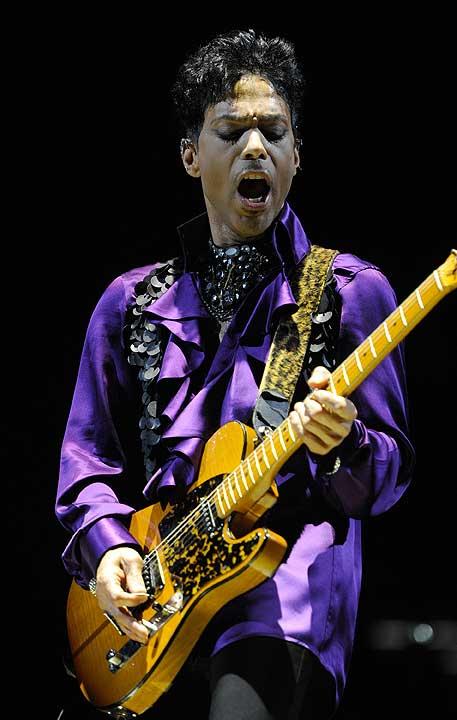 prince_live_kevin_mazur_purple