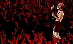 angus_young_acdc_madrid