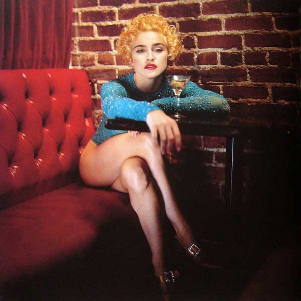 madonna_red_sofa_martini_vanity_fair_helmut_newton_white_heat_1990