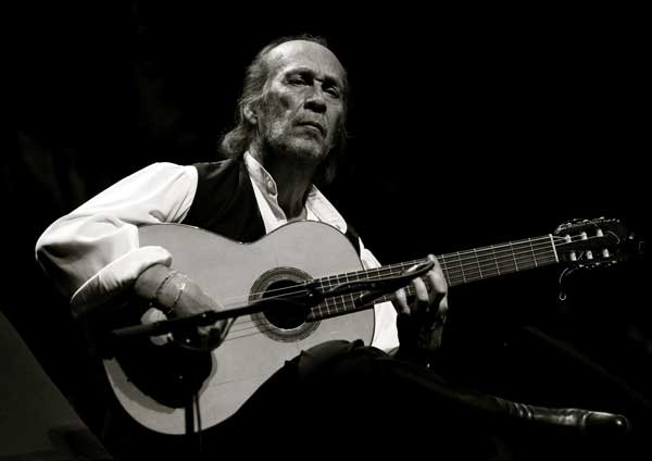 paco_lucia_bn_guitarra_guitar