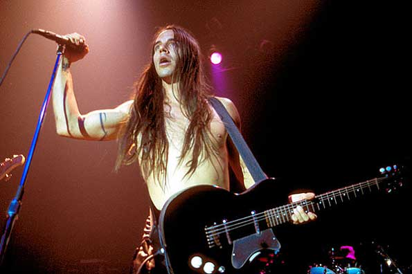 red_hot_chili_peppers_anthony_kiedis_live_steve_eichner