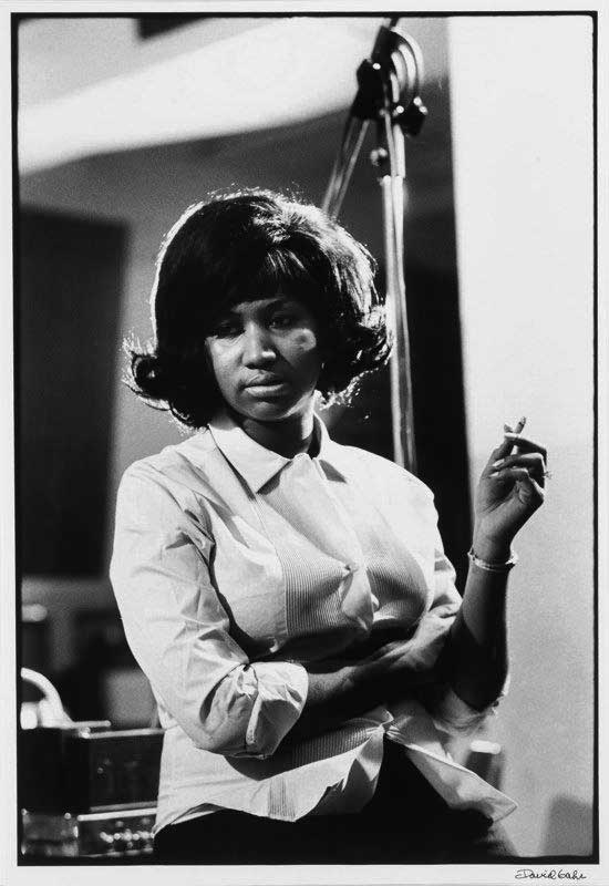 aretha_franklin_david_gahr_atlantic_studio_recording_cigar_1967