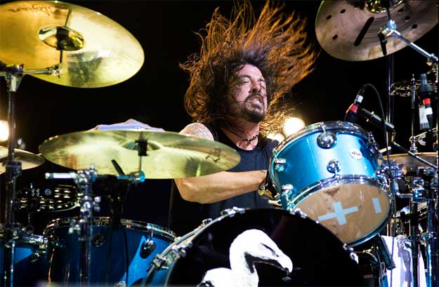 lindsey_best_dave_grohl_live_drums_bateria_directo