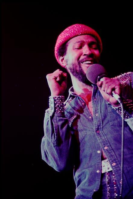 michael_zagaris_marvin_gaye_live_oakland_1974