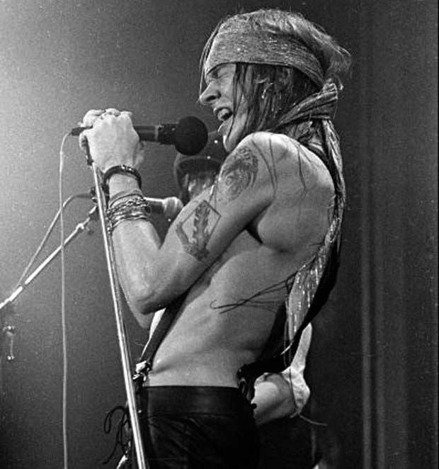 axl_rose_1988_ritz_new_york_live_larry_busacca