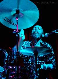 yoghourt_daze_el_sol_madrid_live_directo_dats_bateria_drums